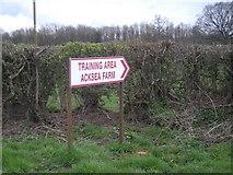SJ3520 : This way to Acksea Farm by Row17
