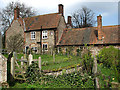 TG0436 : Flint cottage by Evelyn Simak