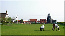 TA0609 : Mill Farm, Barnetby le Wold by Paul Glazzard