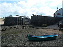 SS2006 : Bude canal, sea lock gates by raydar