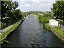SD8432 : The Leeds Liverpool Canal at Finsley Gate by Robert Wade