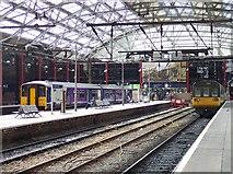 SJ3590 : Lime Street station by Raymond Knapman