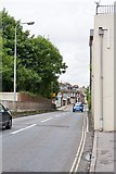 SU4828 : Bar End Road approaching Wharf Hill, Winchester by Peter Facey
