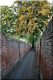 TQ2160 : Grove Road to Church Road alleyway by Hugh Craddock