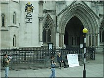 TQ3181 : The Royal Courts of Justice by Kenneth  Allen