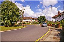 TQ2992 : Morton Crescent, London N14 by Christine Matthews