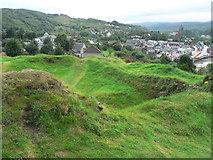NR8668 : Tarbert: castle ramparts by Chris Downer