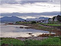 NG6423 : Broadford Bay shoreline by Richard Dorrell