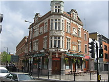 TQ3581 : White Hart, Mile End Road, London by Oast House Archive