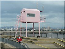 ST1972 : The Pink Hut, Cardiff Barrage by Robin Drayton