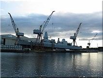 NS5566 : River Clyde shipyard by Johnny Durnan