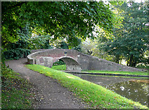 SO8685 : Stourton Bridge No 33 , Staffordshire and Worcestershire Canal by Roger  Kidd