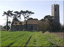 TM3787 : Ilketshall St Andrew by Graham Horn