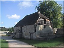 ST8260 : Small Barn by the Tithe Barn by Sarah Charlesworth