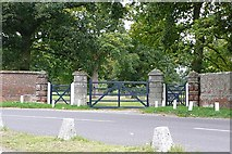 SU6271 : Gate into Englefield Park by Graham Horn