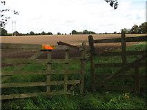 TF9331 : Warning on field gate by Evelyn Simak